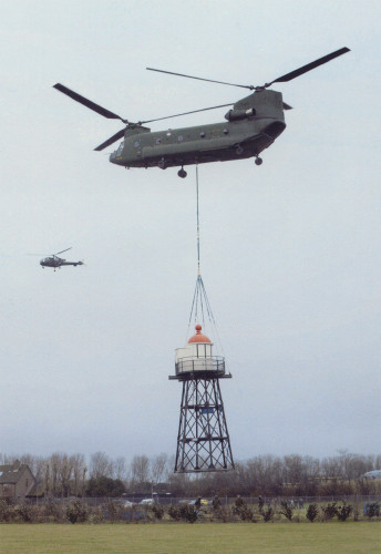 Op 18 februari 2004 vliegt het hoge licht terug naar Hoek van Holland.