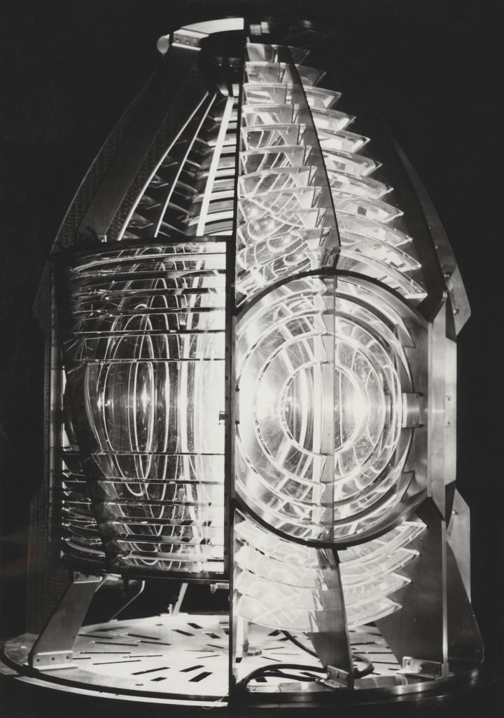 De nieuwe optiek uit 1960. Een draailicht van de derde grootte.