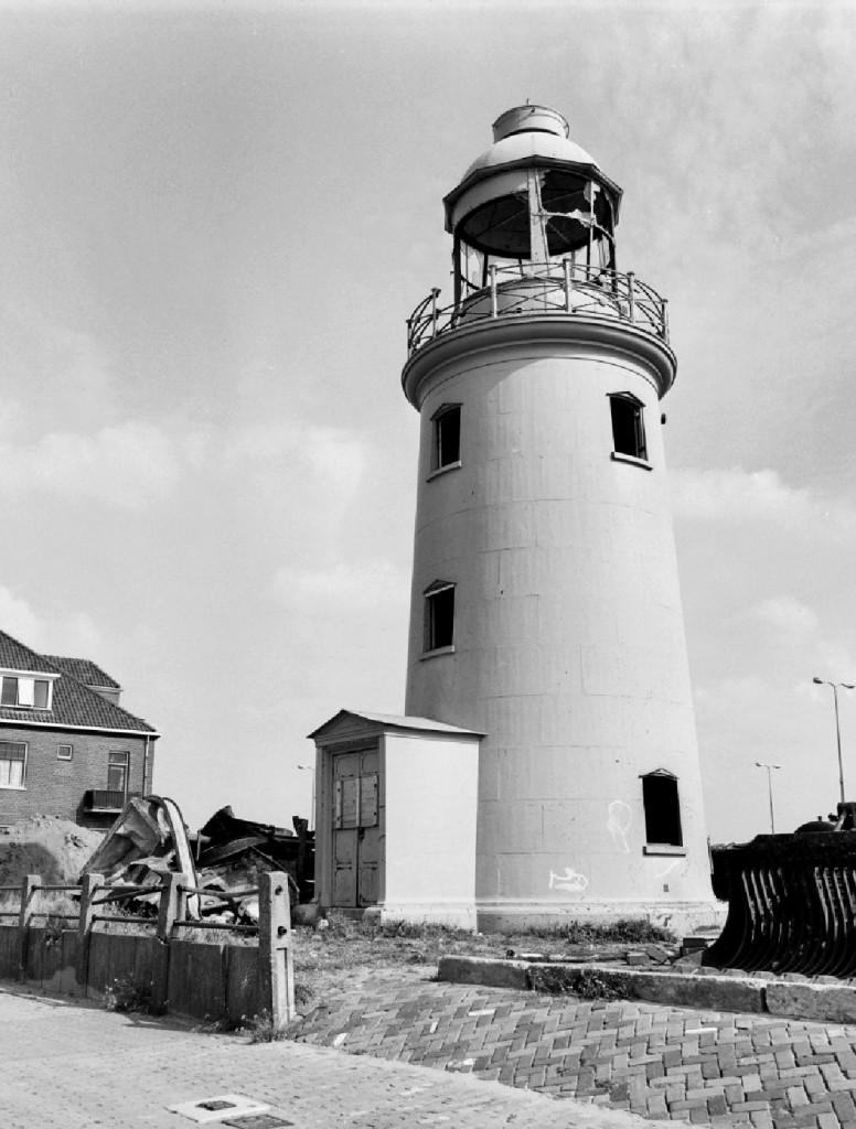 Het lage licht in verval in 1976.