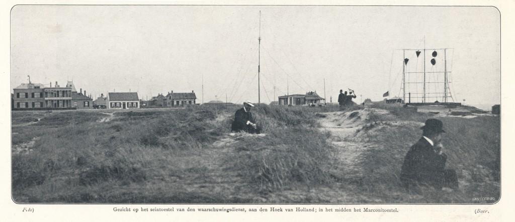 De semafoor in 1906 met in het midden het Marconitoestel.