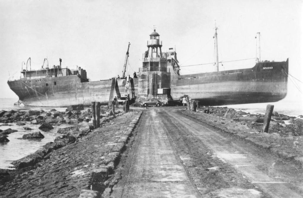 De s.s. Spanker op de Noorderpier in augustus 1954.