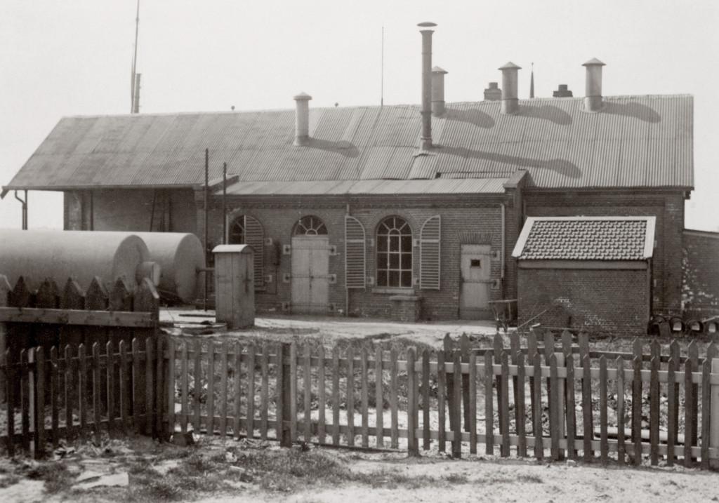 De vetgasfabriek op de oostelijke havenkade omstreeks 1910.